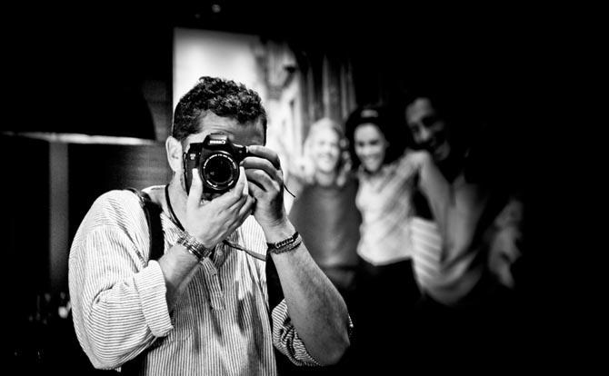 Retrato del fotógrafo Lucas Blanco, que también ha viajado a la India