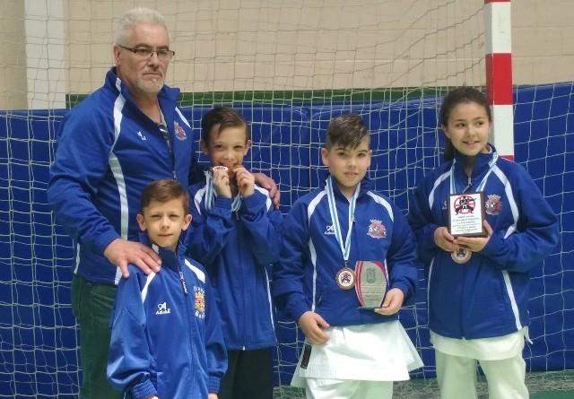 Grupo bazan trofeo karate mugardos mayo 2019-P